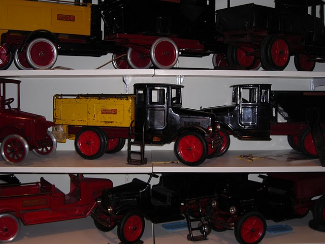 Pressed Metal Toys 116