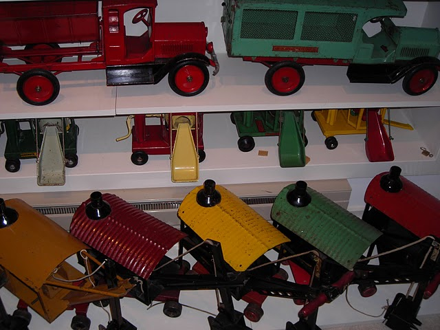 Pressed Metal Toys 54